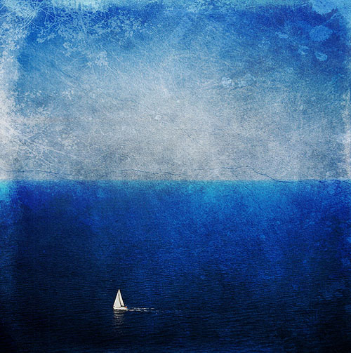 barco-en-el-mar-con-texturas-lienzo-en-mar-mediterraneo-de-menorca-foto-hecha-por-pelayo-lacazette-impresionante-azul
