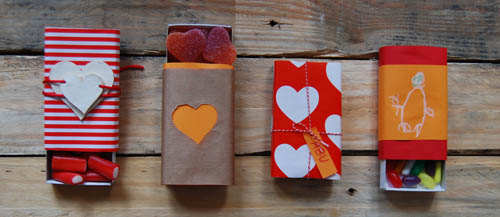 cuatro-cajitas-en-linea-san-valetin-regalos-gominolas