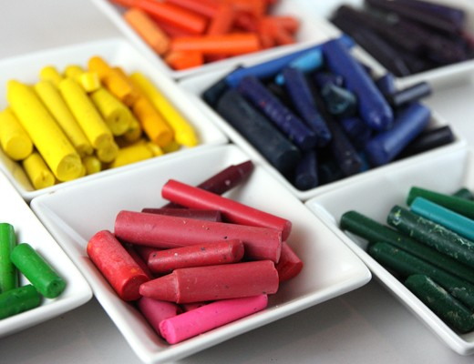 crayons-separated-by-color