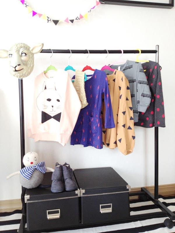 Armario pequeno para colgar ropa for Planchador de ropa