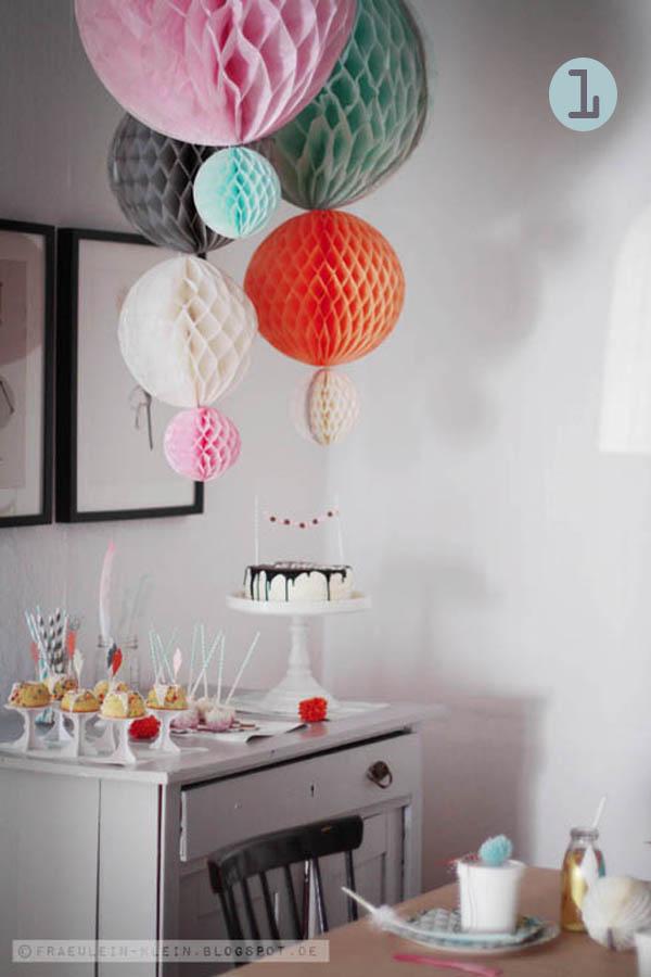 bolas de papel de nido de abeja para decorar fiestas