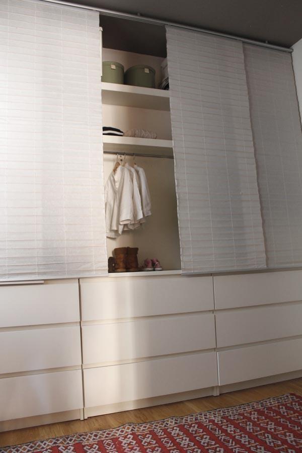 La habitaci n de nico escarabajos bichos y mariposas - Cortinas para armarios sin puertas ...