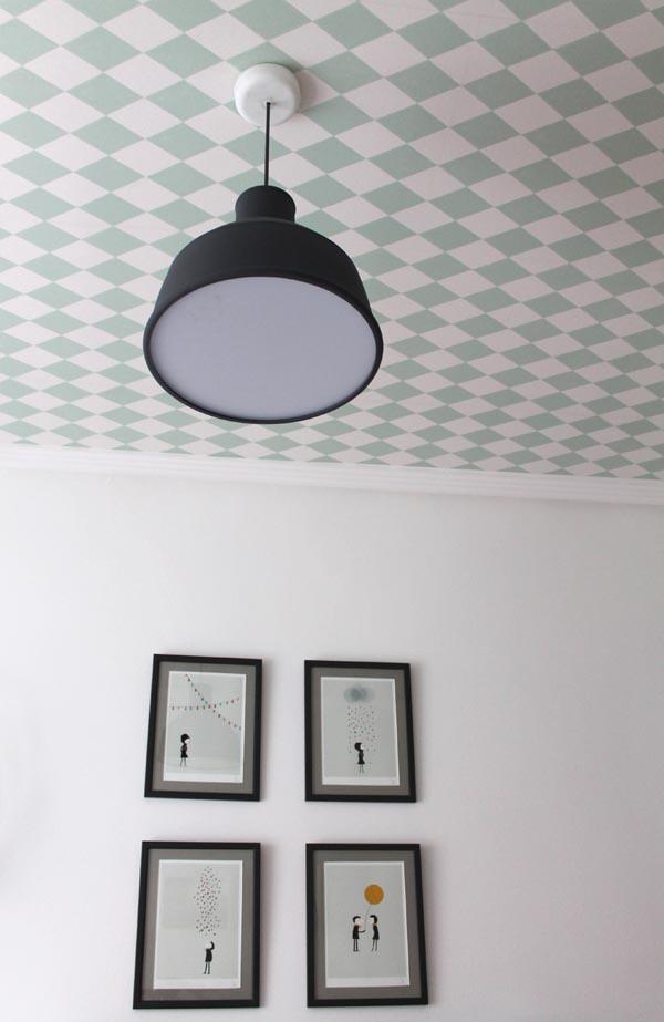 Decoracion habitacion bebe escarabajos bichos y mariposas - Papel para techos ...