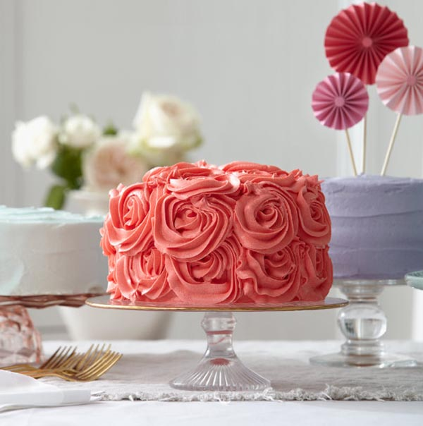 Cherry-cake-with-marzipan-roses