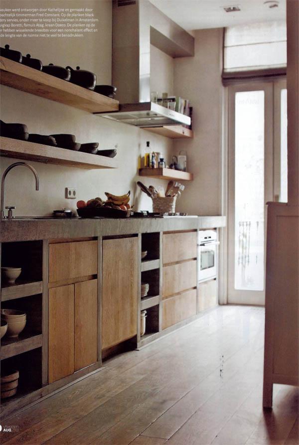 Una casa en gris blanco y madera escarabajos bichos y - Suelos para cocinas rusticas ...