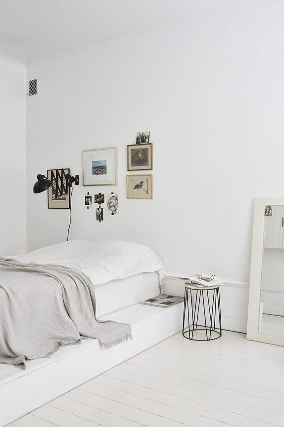bright-scandinavian-bedroom-platform-bed-fantastic-frank