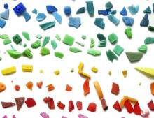 ¡Y la de plástico que comemos!. Los microplásticos