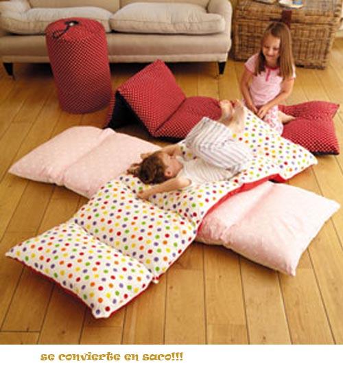 saco-que-se-convierte-en-cama-para-invitados-con-unos-estampados-geniales