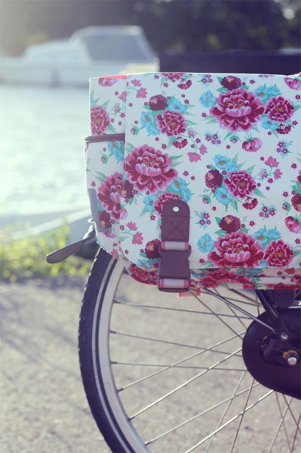 alforjas para bici de flores