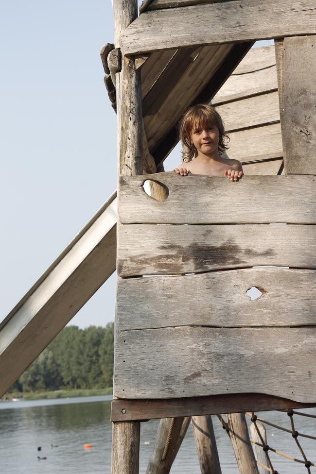 casita madera holanda con niños