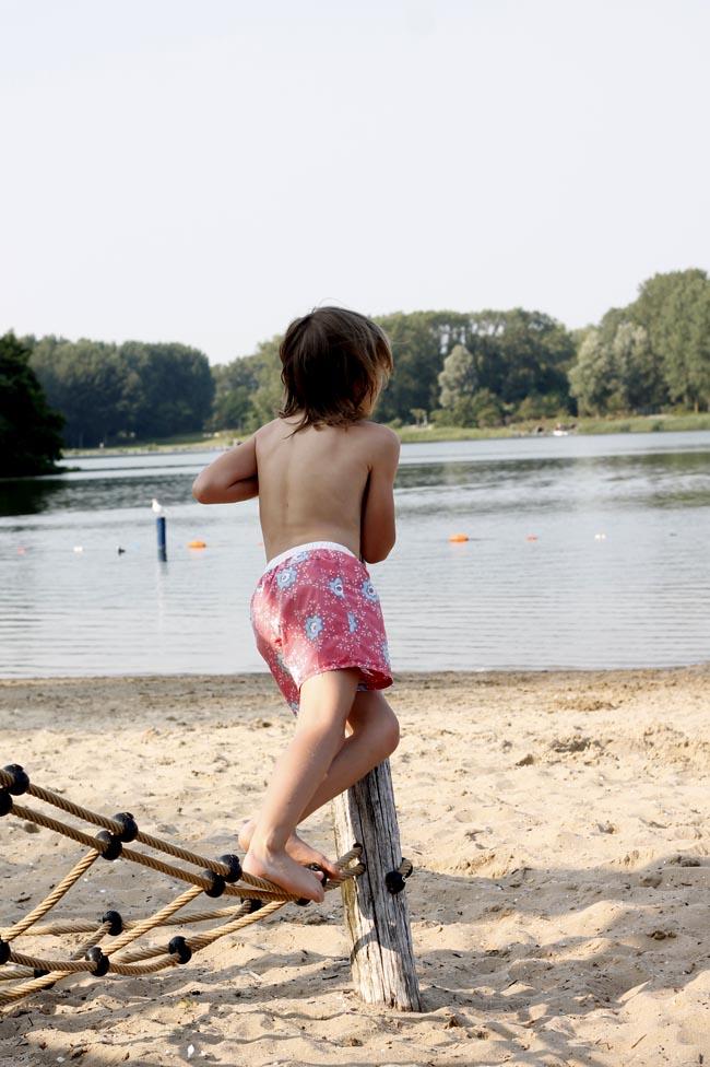 holanda con niños lago