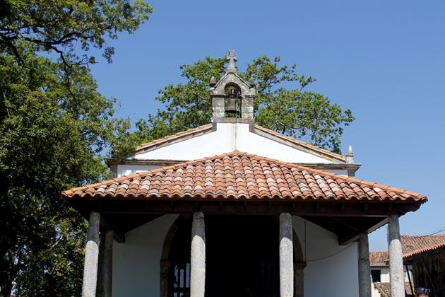 pueblo de torazo iglesia