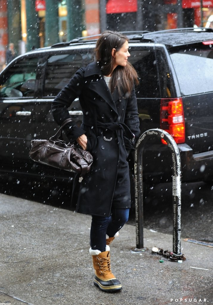 Katie-Holmes-Snow-Boots-Before-Blizzard-NYC-Pictures