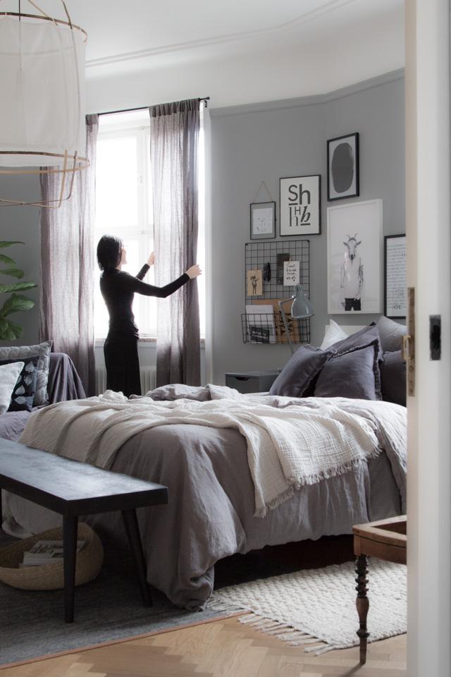 Noral Gen's bedroom-3424diningtable (1)