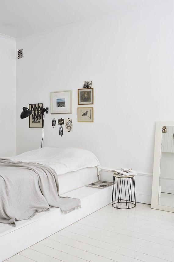 bright-scandinavian-bedroom-platform-bed-fantastic-frank